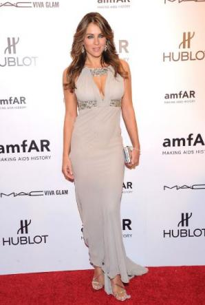 Elizabeth Hurley play superenalotto